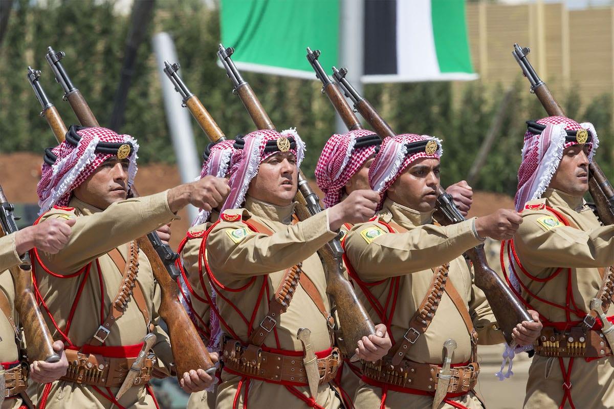 Soldiers march during the military parade in Amman, Jordan on 28 March, 2017 [Bandar Algaloud/Saudi Kingdom Council/Handout/Anadolu Agency]