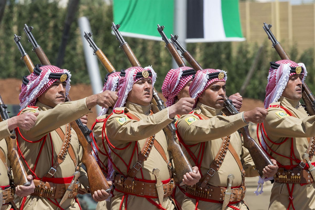 Soldiers march during the military parade in Amman, Jordan on 28 March, 2017 [Bandar Algaloud/Saudi Kingdom Council/Handout/Anadolu Agency]