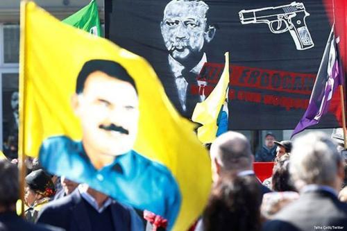 PKK sympathisers' rally against Turkish President Tayyip Recep Erdogan in Bern, Switzerland on March 25, 2017 [Talha Celik/Twitter]