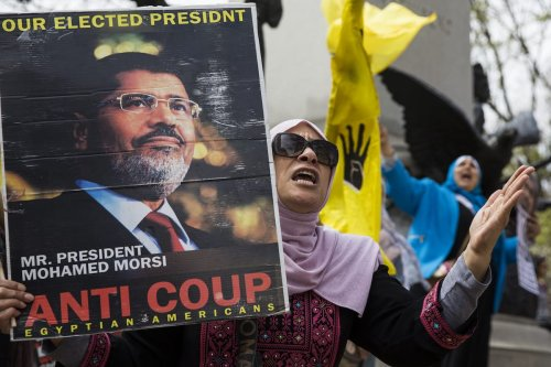 Egyptian Americans gather to protest Egyptian President Abdul Fattah al-Sisi's meetings with US President Donald Trump at the White House in Washington, USA on April 3, 2017 [Samuel Corum / Anadolu Agency]