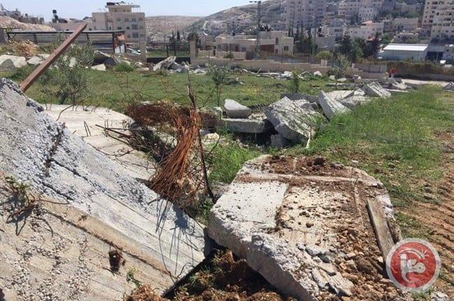 Israeli occupation forces demolished Palestinian homes in Jerusalem on 4 April 2017. [Ma'an]