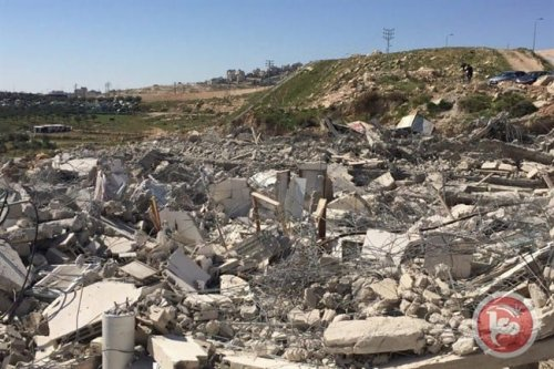 Israeli occupation forces demolished Palestinian homes in Jerusalem on 4 April 2017. [Ma'an]