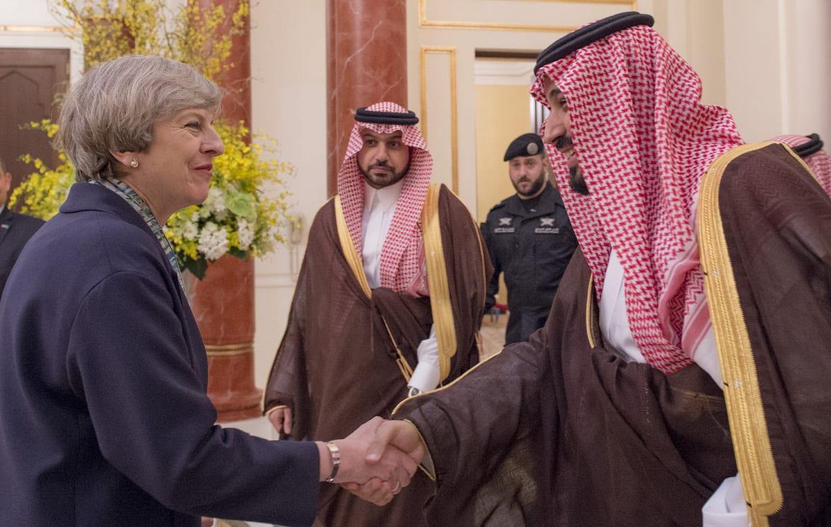 UK Prime Minister Theresa May (L) meets with Defence Minister of Saudi Arabia Mohammad Bin Salman Al Saud (R) in Riyadh, Saudi Arabia on 5 April, 2017 [Saudi Kingdom Council/ Anadolu Agency]