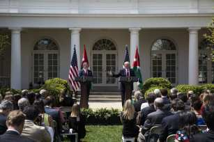 US President Donald Trump speaks during a joint press conference with King Abdullah II bin al-Hussein of Jordan in the Rose Garden of the White House in Washington, USA on April 5, 2017. ( Samuel Corum - Anadolu Agency )