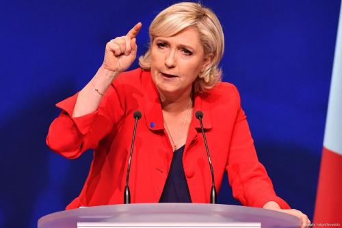 Neo-fascist, Le Pen qualifies for second round of French presidential election