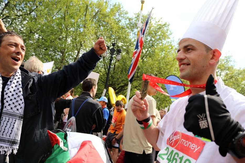 Mohammed AlQadi, Palestinian chef, ran the London Marathon, April 23, 2017 [Jehan Alfarra/Middle East Monitor]