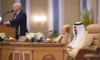 US President Donald Trump delivers a speech during the Arabic Islamic American Summit in Riyadh, Saudi Arabia on May 21, 2017 [Bandar Algaloud / Saudi Kingdom Council / Handout/Anadolu Agency]