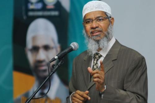 India revokes passport of Muslim preacher Zakir Naik