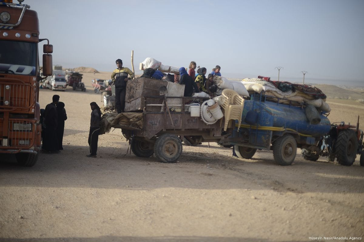 Civilians who fled Raqqa arrive in Jarabulus, Syria on 26 May 2017 [Hüseyin Nasır/Anadolu Agency]