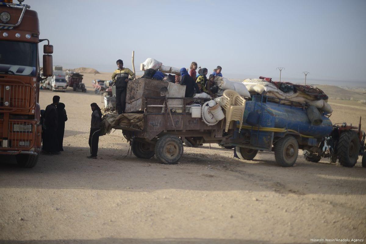 Civilians who fled Raqqa arrive in Jarabulus, Syria on 26 May 2017 [Hüseyin Nasır/Anadolu Agency]