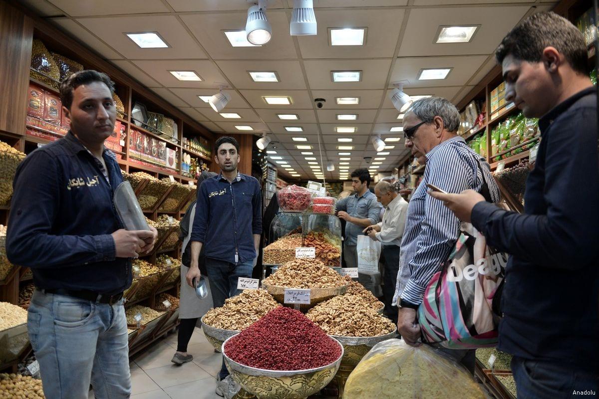 Iranians shop in preparation for the Islamic holy month of Ramadan at Tajrish Bazaar in Tehran, Iran [Fatemeh Bahrami/Anadolu Agency]
