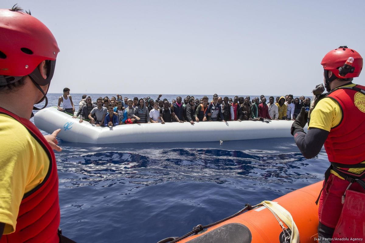 Image of migrants being rescued while travelling on the Mediterranean sea on 7 May 2017 [Iker Pastor/Anadolu Agency]