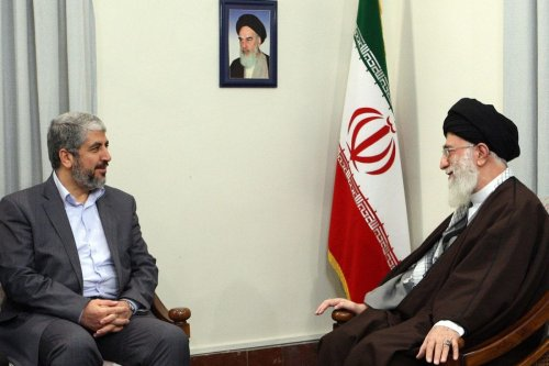 Iran's supreme leader Ayatollah Ali Khamenei (R) meets with the political supremo of Palestinian Islamist movement Hamas, Khaled Meshaal (L), in Tehran [Noon Post]