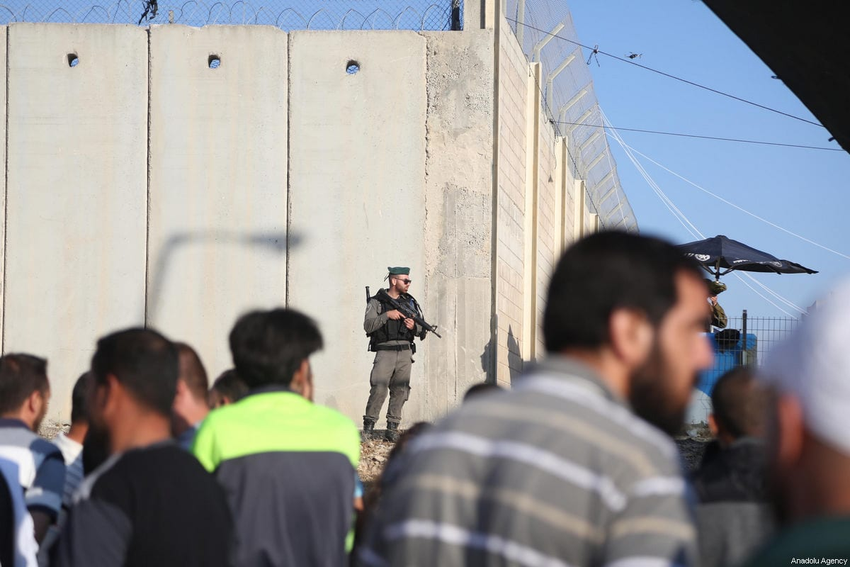 Qalandiya checkpoint from Ramallah to Jerusalem on 2 June, 2017 [Issam Rimawi/Anadolu Agency]