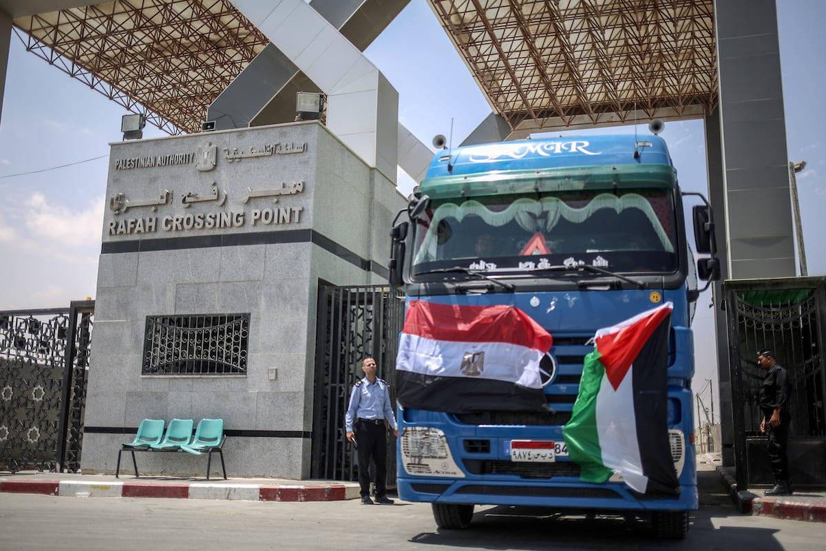 Oil trucks enter the Gaza Strip from the Rafah border crossing as part of the triple agreement between Egypt, Hamas and Mohammed Dahlan, in Rafah, Gaza on 21 June 2017 [Ali Jadallah/Anadolu Agency]
