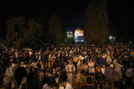 Thousands of Muslim worshippers perform prayer on Laylat Al-Qadr in the month of Ramadan at the Al-Aqsa Mosque courtyard in Jerusalem on 21 June 2017 [Mostafa Alkharouf/Anadolu Agency]