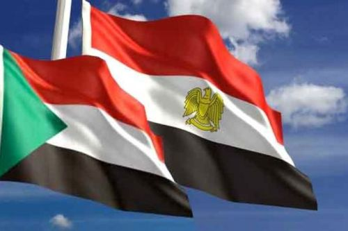 Flags of Egypt and Sudan [Qudspress]