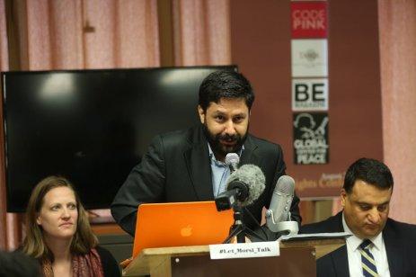 Cahit Oktay (C), from Journalists Association, speaks during a conference demanding the freedom of former president of Egypt, Mohammed Morsi, in New York US on 23 August 2017 [Mohammed Elshamy/Anadolu Agency]