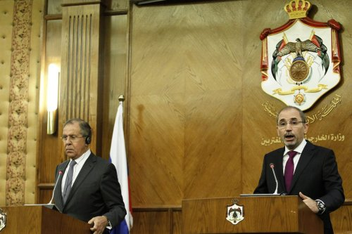 Russian Foreign Affairs Minister Sergei Lavrov (L) attends a press conference with Jordanian Foreign Minister Ayman Al Safadi (R) after a meeing in Amman, Jordan on 11 September, 2017 [Shadi Nsoor/Anadolu Agency]