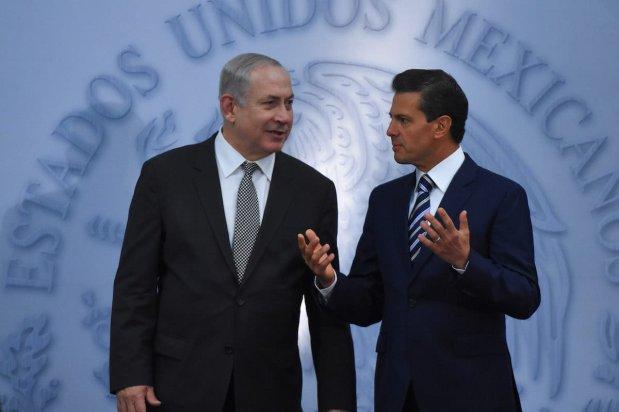 President of Mexico Enrique Pena Nieto (R) and Israeli Prime Minister Benjamin Netanyahu attend a press conference at Los Pinos Presidential residence in Mexico City, Mexico on 14 September 2017 [Daniel Cardenas/Anadolu Agency]