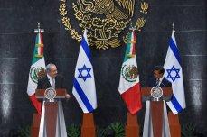 President of Mexico Enrique Pena Nieto (L) and Israeli Prime Minister Benjamin Netanyahu attend a press conference at Los Pinos Presidential residence in Mexico City, Mexico on 14 September 2017 [Daniel Cardenas/Anadolu Agency]