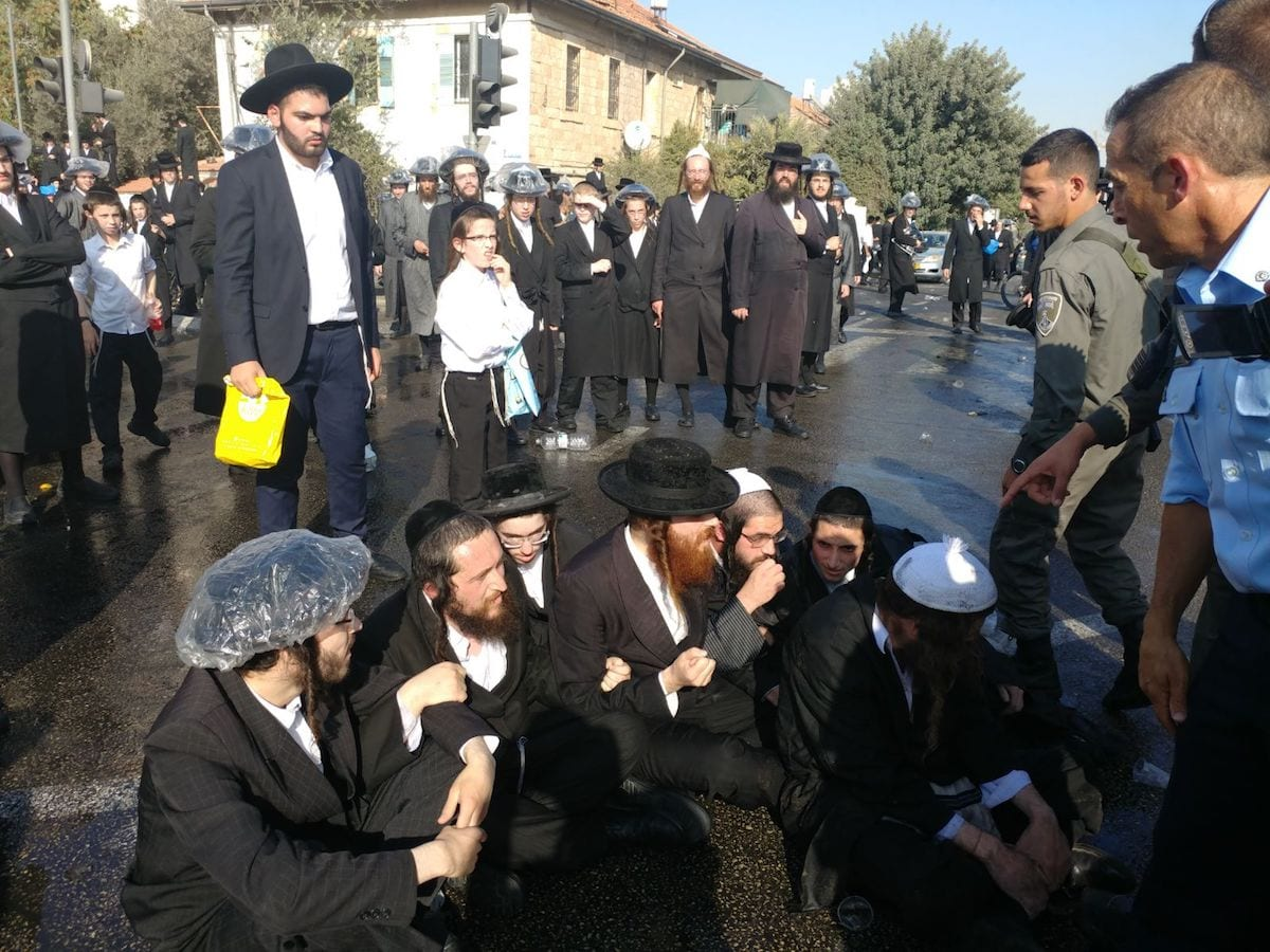 Israeli police arrest 8 in ultra-Orthodox military protest