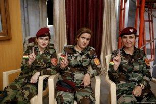 Peshmerga forces cast their ballots in the Kurdish Regional Government (KRG)'s non binding independence referendum on 25 September 2017. [Yunus Keleş /Anadolu Agency]