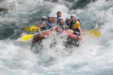 That's a team work effort 💪 Rafthers get splashed 🌊 as they go through the rapids in Koprulu Canyon, Turkey on 28 September, 2017 [Ali İhsan Öztürk/Anadolu Agency]