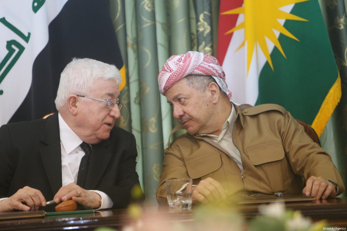 Kurdish Regional Government (KRG) President Masoud Barzani (R) and President of Iraq Fuad Masum (L) meet with Patriotic Union of Kurdistan (PUK) party and Kurdistan Democratic Party (KDP) politburo members at a hotel in Dokan district of Suleymaniyah in Iraq on October 15, 2017 [Feriq Fereç / Anadolu Agency]