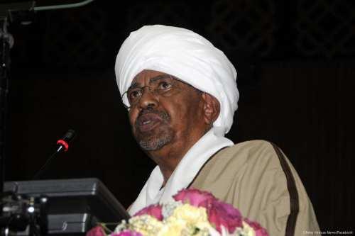 Sudanese President Omar Al-Bashir on 23 May 2017 [China Xinhua News/Facebook]