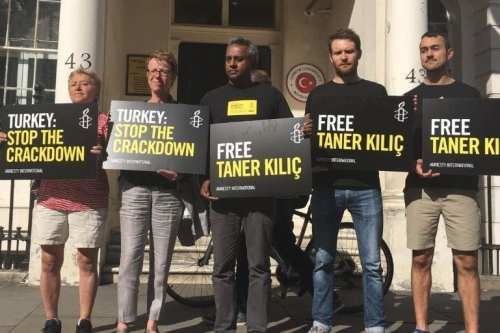 Protests in London, UK, in support of Amnesty staff in Turkey. {Amnesty International]