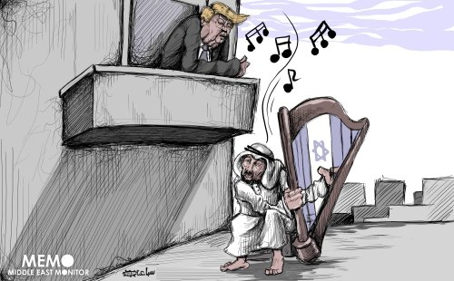 Saudi attracts US attention by singing Israel's tunes - Cartoon [Sabaaneh/MiddleEastMonitor]