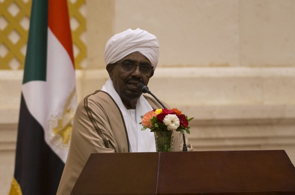 President of Sudan Omar Al-Bashir addresses during a joint press conference held with President of Turkey Recep Tayyip Erdogan (not seen) following their inter-delegation meeting in Khartoum, Sudan on 24 December, 2017 [Binnur Ege Gürün/Anadolu Agency]