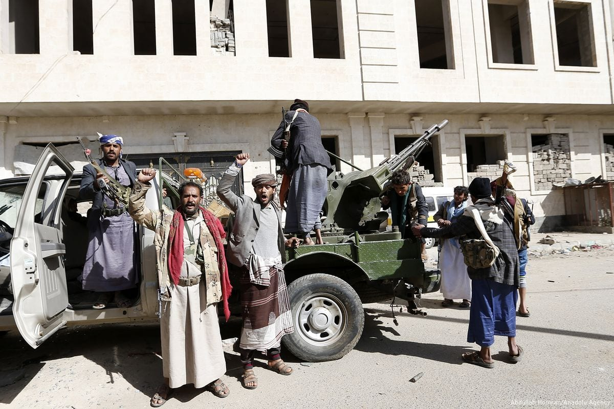 Houthis take security measures in Sanaa, Yemen on 4 December 2017 [Abdullah Homran/Anadolu Agency]