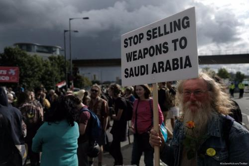 Protesters demonstrate against selling arms to Saudi Arabia on 8 September 2017 [AlisdareHickson/Twitter]