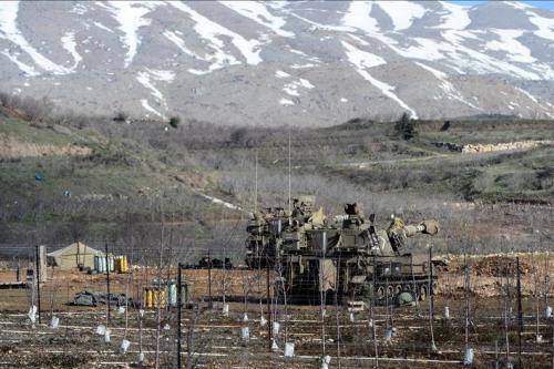 Israeli forces at the Golan Heights border [Escla/Wikipedia, File photo]