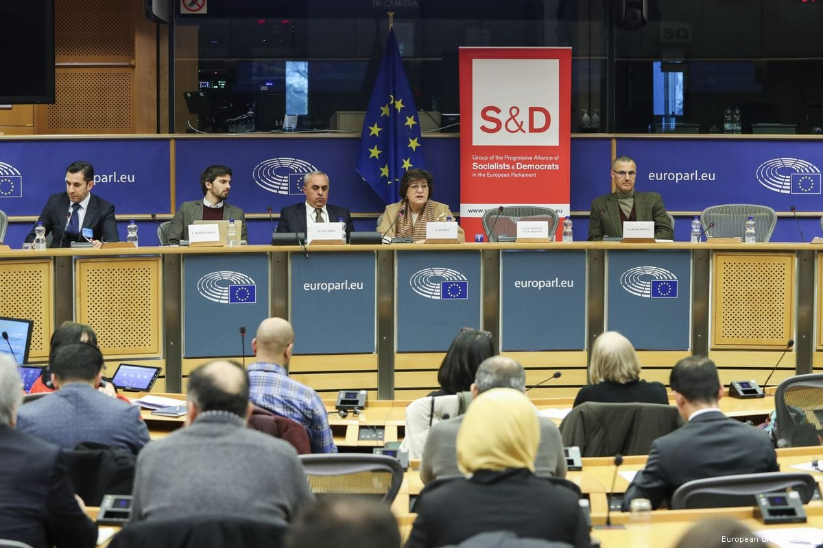 Omar Barghouti (1R), BDS co-founder, addresses the European Parliament on 28 February 2018 [European Union 2018/EP]