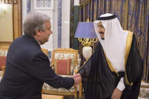 King of Saudi Arabia, Salman bin Abdulaziz Al Saud (R) shakes hands with Secretary-General of the United Nations, Antonio Guterres (L) during their meeting at Palace of Yamamah in Riyadh, Saudi Arabia on 17 April, 2018 [Saudi Kingdom Council Handout/Anadolu Agency]