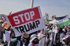 Indonesians come together to protest against US President Donald Trump's decision to move the US Embassy from Tel Aviv to Jerusalem [Anton Raharjo/Anadolu Agency]