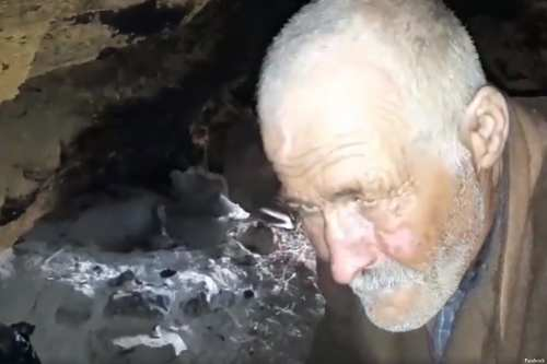 62-year-old Tunisian man, Alberni Al-Abbasi, has been living in a cave for 30 years on the outskirts of the town of Testour. Tunisia [Facebook]