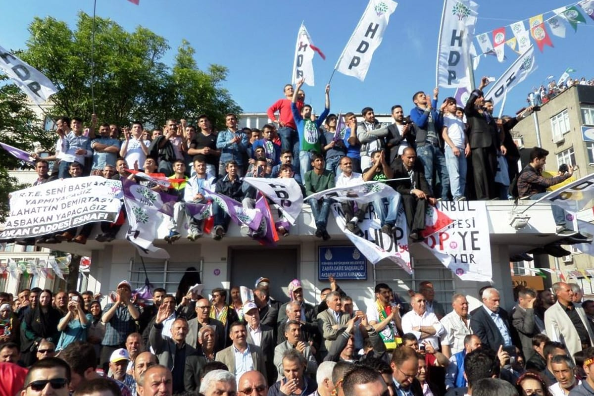An electoral rally of the Peoples' Democratic Party (HDP) of Turkey before the 2015 general election, on 18 May , 2015 [Salih Turan/VOA]