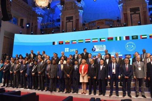 Participants pose for a family photo during 7th Organisation of Petroleum Exporting Countries (OPEC) International Seminar in Vienna, Austria on June 20, 2018 [Aşkın Kıyağan / Anadolu Agency]