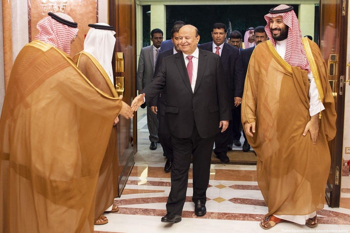 Yemeni President Abd-Rabbu Mansour Hadi (L) and Saudi Arabian Crown Prince Mohammed bin Salman Al Saud (R) hold a meeting in Jeddah, Saudi Arabia on 31 May 2018 [Bandar Algaloud/Anadolu Agency]