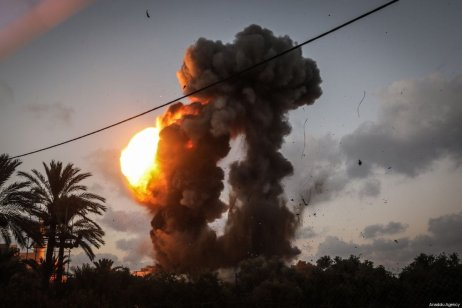 Smoke and flames rise into the air after Israeli air strikes targeted points, reported to belong to Hamas, in Ez-Zeitoun town south of Gaza City, Gaza on July 20, 2018 [Ali Jadallah / Anadolu Agency]