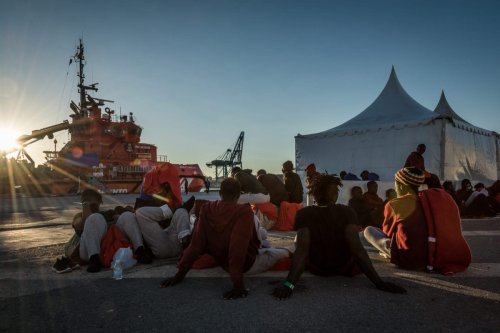 Migrants wait at the Algeciras' port on 31 July, 2018 in Algeciras, Spain [Ignacio Marin/Anadolu Agency]