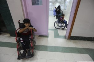 Children receiving care at a hospital in Gaza [Mohammed Asad/Middle East Monitor]