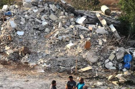 Israel demolishes Palestinian home [Twitter]