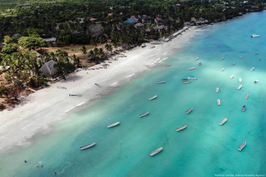 The white sandy shore in the Indian Ocean in Zanzibar, Tanzania on 23 August 2018 [Mahmut Serdar Alakuş/Anadolu Agency]