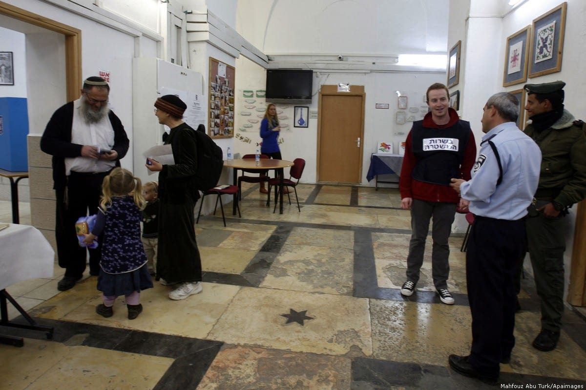 Ultra Orthodox Jews vote in Israel's parliamentary elections in Jerusalem, 22 January 2013 [Mahfouz Abu Turk/Apaimages]