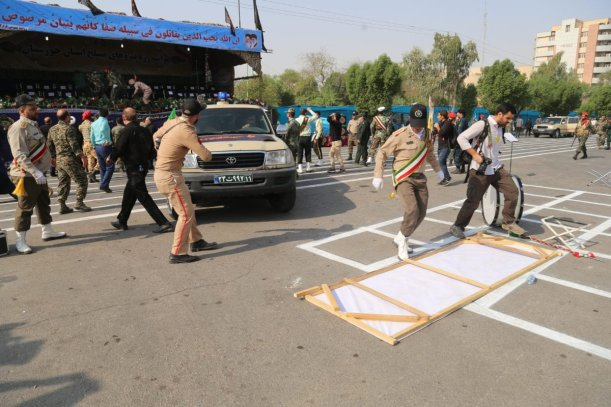 Iranian security forces take security measures after an armed attack targeting a military march in the southwestern Iranian city of Ahwaz on September 22, 2018. ( Mehdi Pedramkhoo - Anadolu Agency )